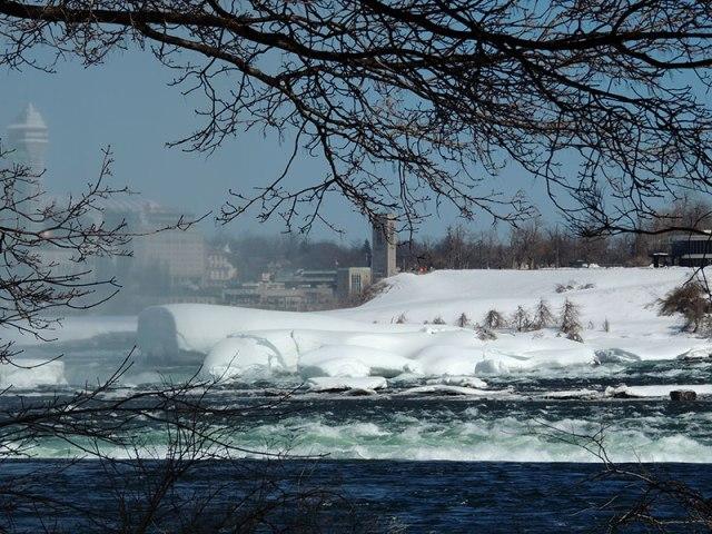 Ice-at-Falls