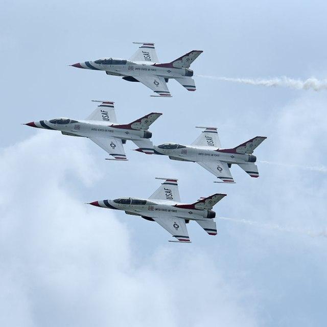 4-Thunderbirds-3